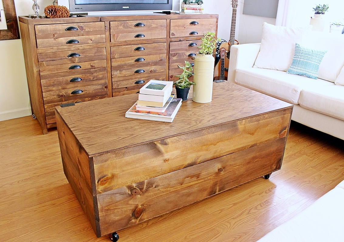 DIY Wooden Crate Coffee Table - The Legal Duchess |Wooden Crate Coffee Table