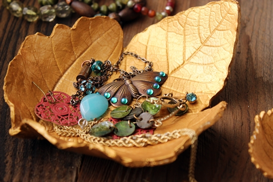 DIY fall crafts, unique fall crafts for adults, DIY Boho Autumn Crafts. DIY bohemian crafts, fall crafts to make and sell, simple autumn crafts to make, diy fall wreath, diy #thanksgiving decorating ideas, diy thanksgiving crafts, thanksgiving home decorations, easy thanksgiving decorations, cheap thanksgiving decorations, thanksgiving decoration ideas pinterest, #diy thanksgiving gifts