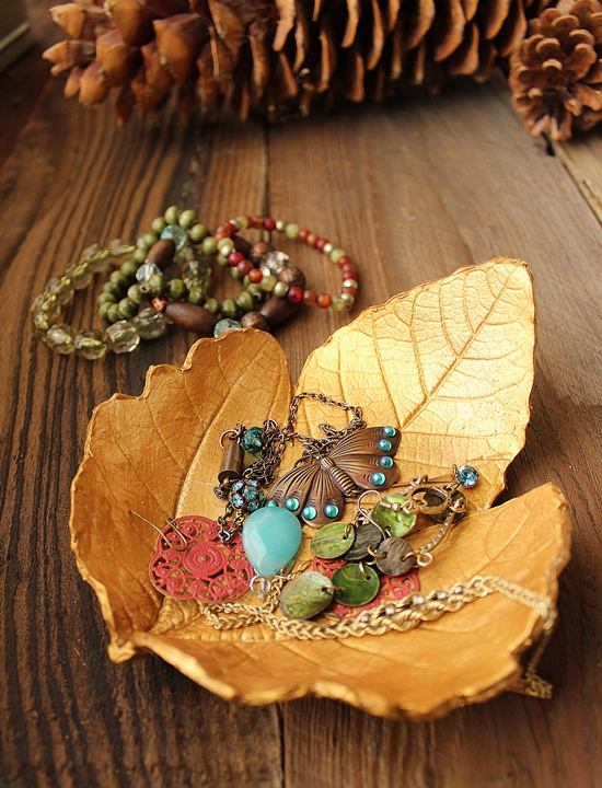 Autumn Leaf Jewelry Dish - DIY fall crafts, unique fall crafts for adults, DIY Boho Autumn Crafts. DIY bohemian crafts, fall crafts to make and sell, simple autumn crafts to make, diy fall wreath, diy #thanksgiving decorating ideas, diy thanksgiving crafts, thanksgiving home decorations, easy thanksgiving decorations, cheap thanksgiving decorations, thanksgiving decoration ideas pinterest, #diy thanksgiving gifts